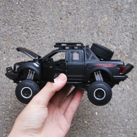 Alloy Diecast For Ford F-150 Pickup Pull Back Vehicle Model Collection With Sound&Light Monster Truck Drive Hobby Toys Gift