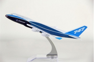 hot sell plane model Boeing 747 aircraft model 16cm Alloy simulation airplane model for kids toys Christmas gift